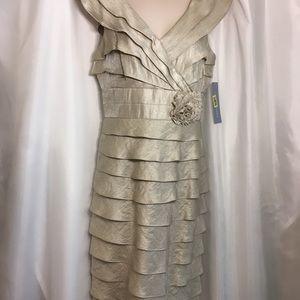 London Times Sleeveless Cocktail or MOTBride Dress